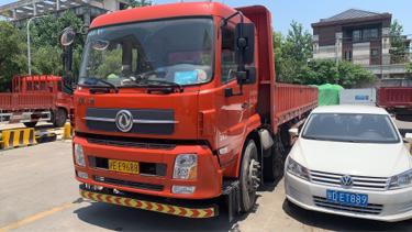 东风天锦 载货车  285匹 2018年07月 6x2