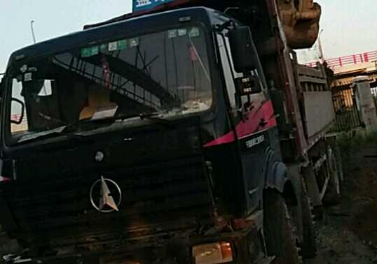 北奔其他车系 自卸车  340匹 2012年11月 8x4