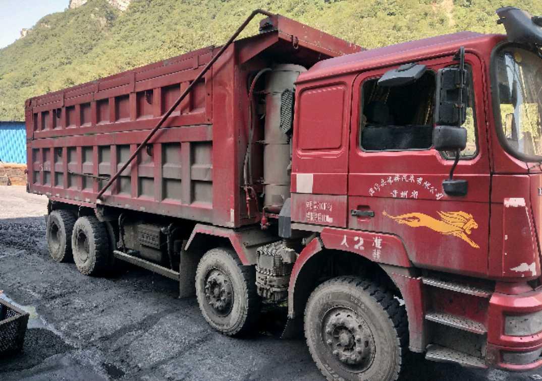 中国重汽HOKA 自卸车  375匹 2014年02月 8x4