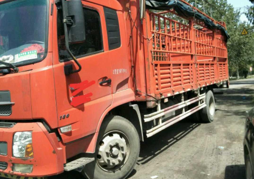 东风天锦 载货车  180匹 2015年04月 4x2