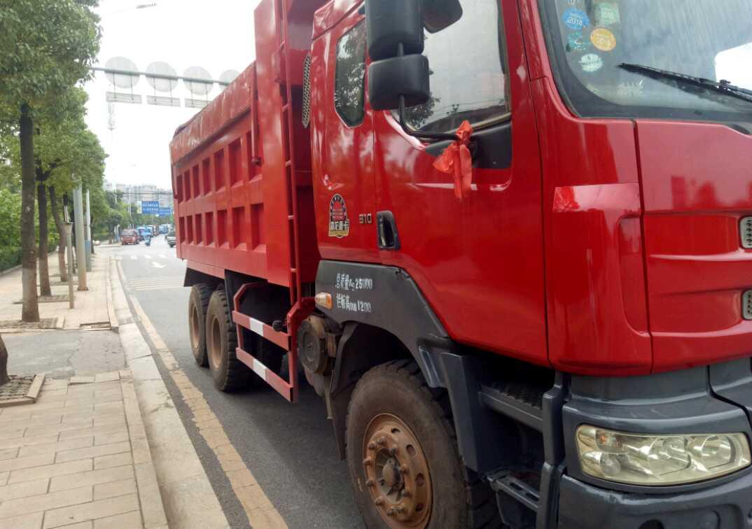 东风霸龙 自卸车  310匹 2011年11月 6x4