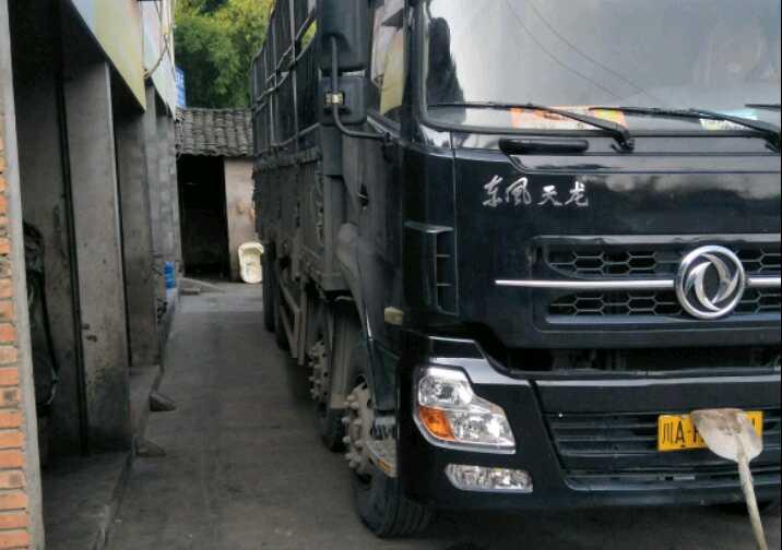 东风天龙 载货车  340匹 2012年02月 8x4