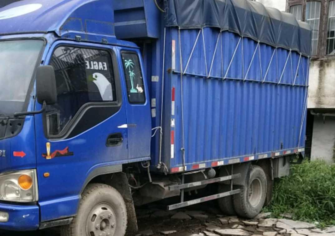 江淮其他车系 载货车  110匹 2013年06月 4x2