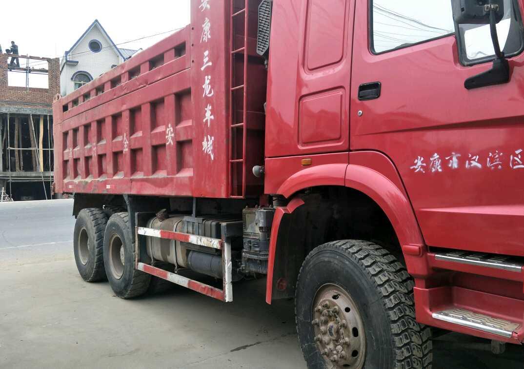 中国重汽HOWO 自卸车  336匹 2013年05月 6x4