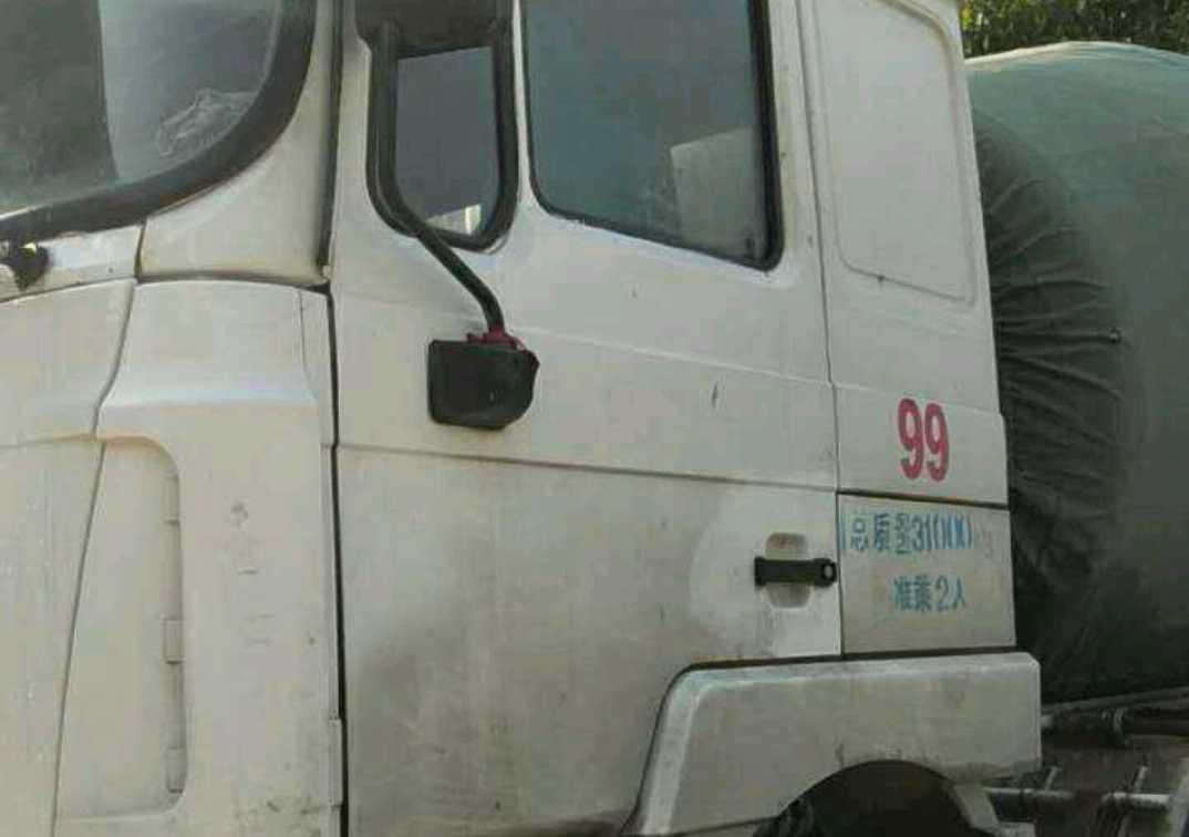 #其他品牌 混凝土泵车  375匹 2013年03月 8x4