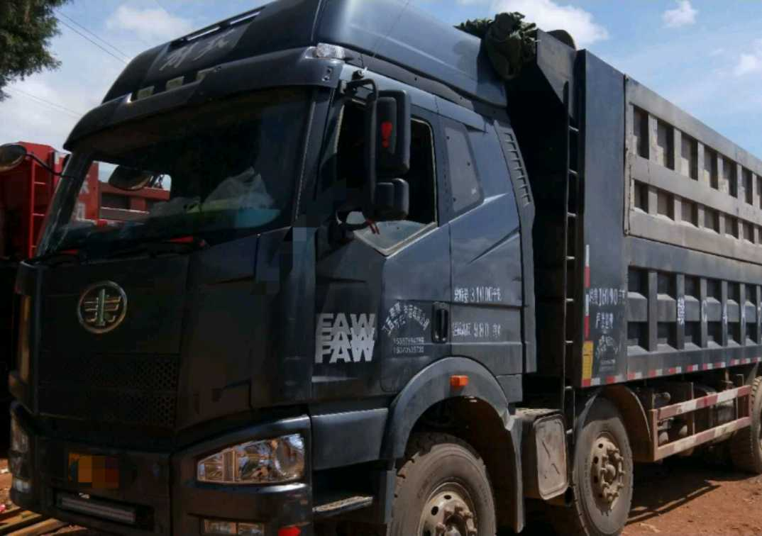一汽解放J6P重卡 自卸车  375匹 2013年07月 8x4