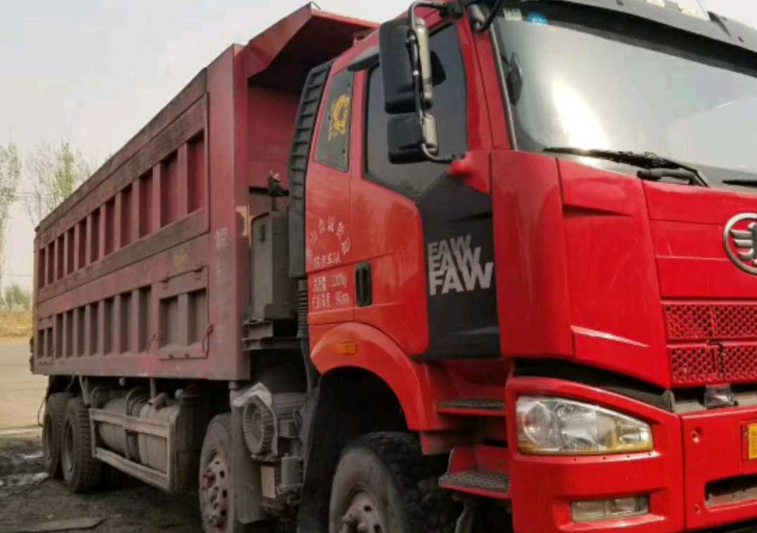 一汽解放J6P重卡 自卸车  375匹 2016年11月 8x4