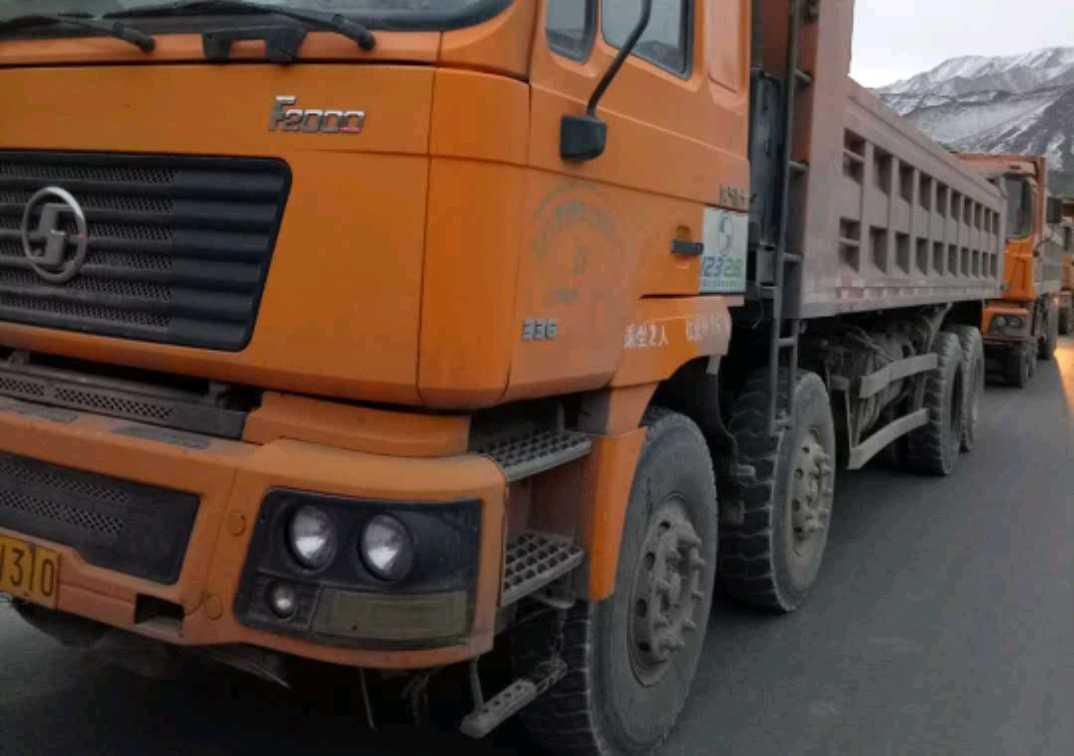 陕汽德龙F2000 自卸车  375匹 2010年06月 8x4