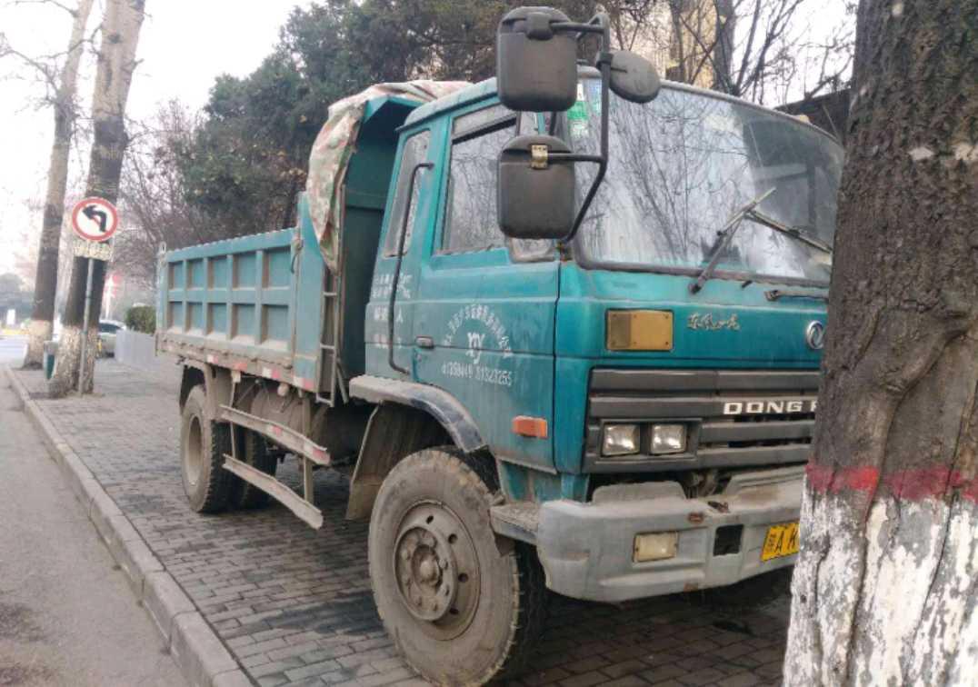 东风南充龙驹 自卸车  140匹 2011年11月 4x2