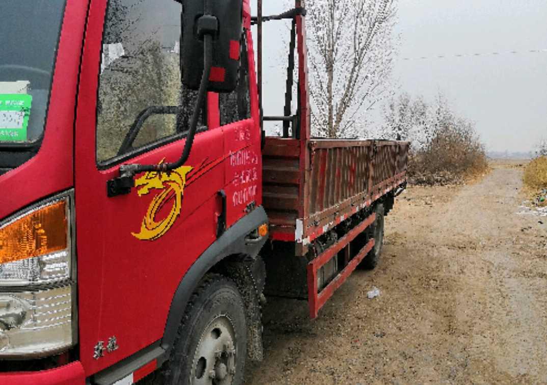 青島解放其他車系 載貨車  160匹 2013年12月 4x2