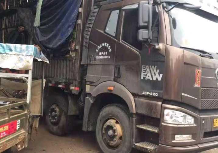 一汽解放J6M重卡 质惠版 载货车  420匹 2018年08月 6x4
