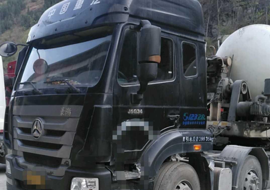 中国重汽豪瀚 牵引车  340匹 2016年03月 6x2