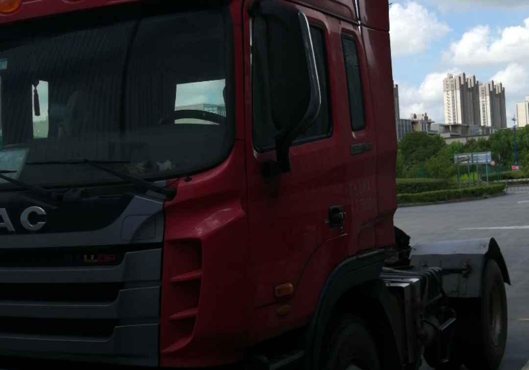 江淮格爾發K3W重卡 牽引車  300匹 2014年07月 4x2