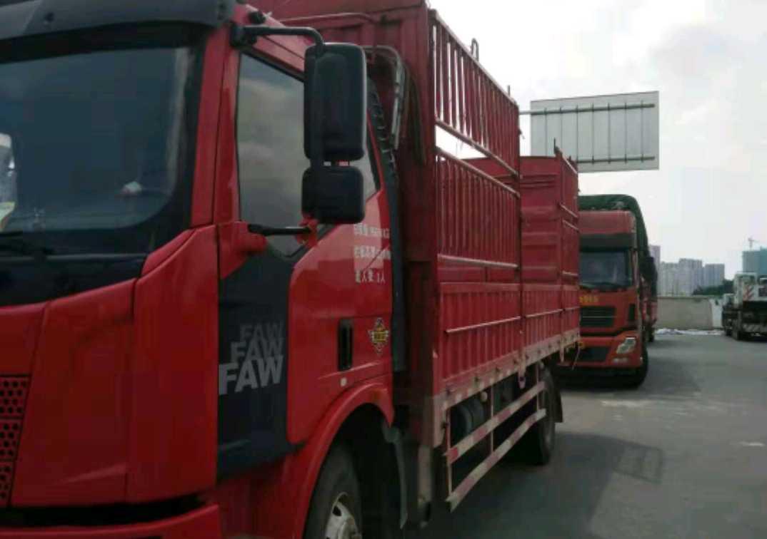 一汽解放J6L中卡 標載型 載貨車  180匹 2015年05月 4x2