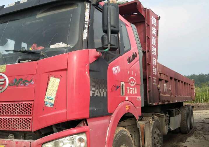 一汽解放J6L 自卸車  375匹 2011年05月 8x4