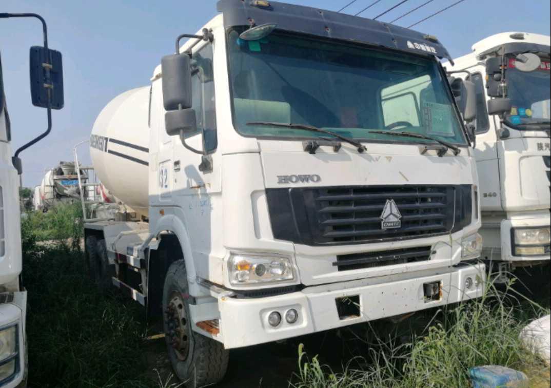 中國重汽HOWO 混凝土攪拌車  336匹 2013年08月 6x4