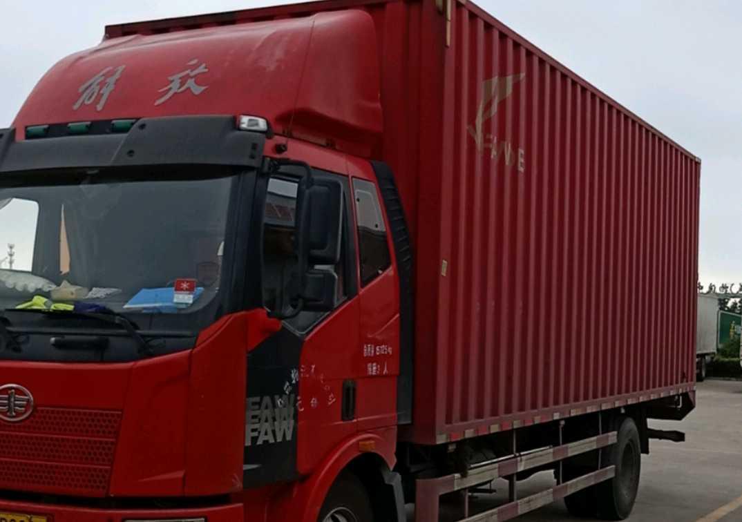 一汽解放J6M重卡 标载型 载货车  160匹 2014年08月 4x2
