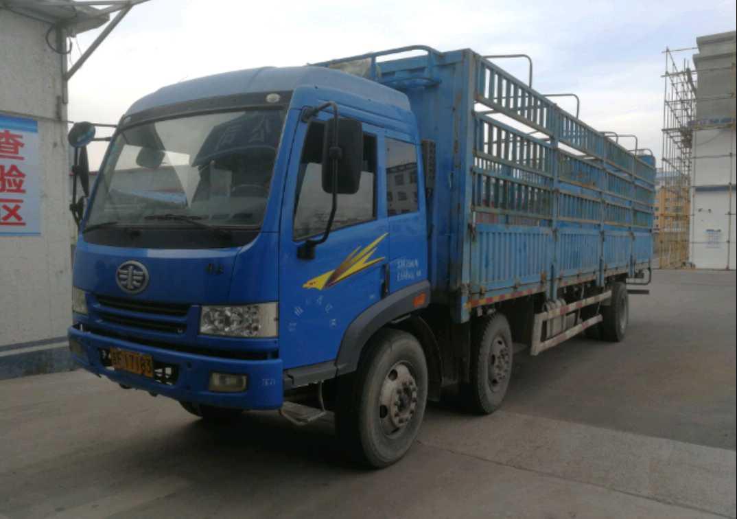 青島解放其他車系 載貨車  120匹 2019年11月 8x4