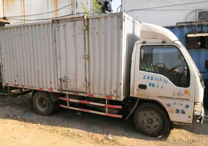 一汽解放J6P重卡 標載型 載貨車  300匹 2011年12月 4x2