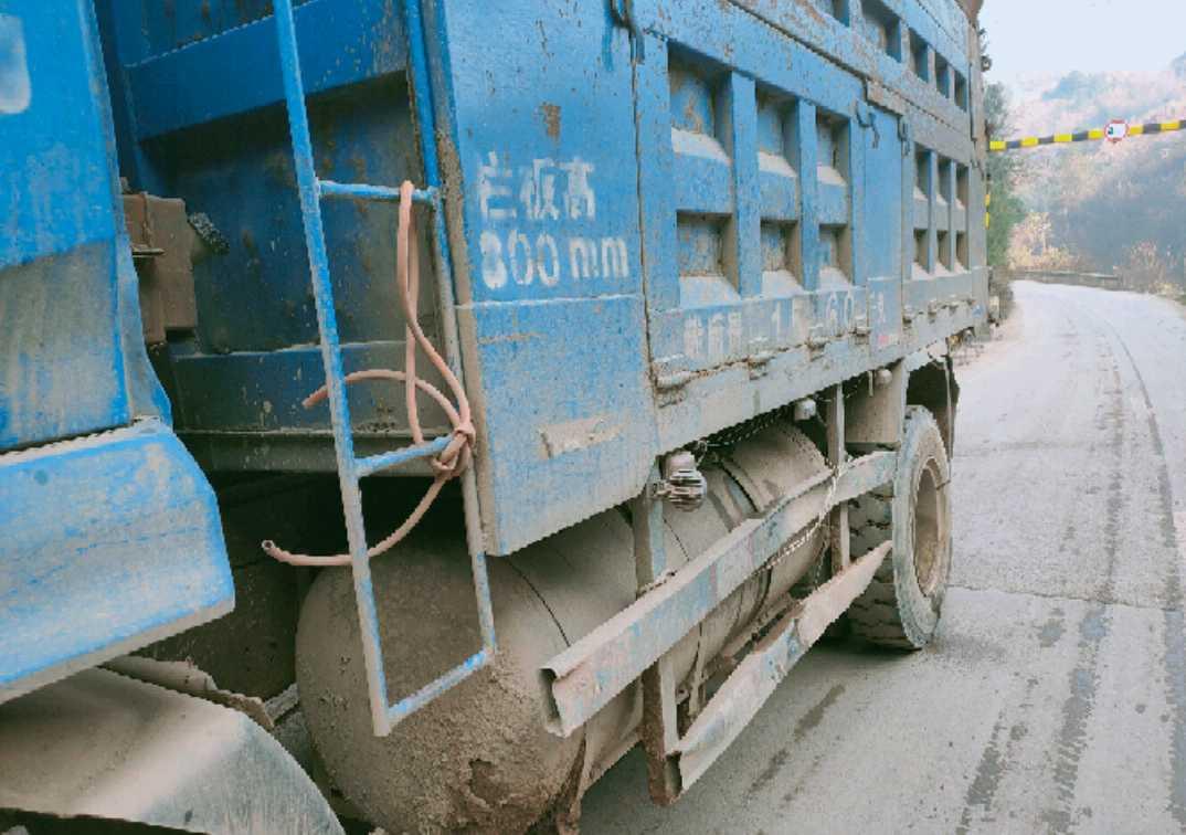東風天錦 載貨車  160匹 2015年10月 4x2