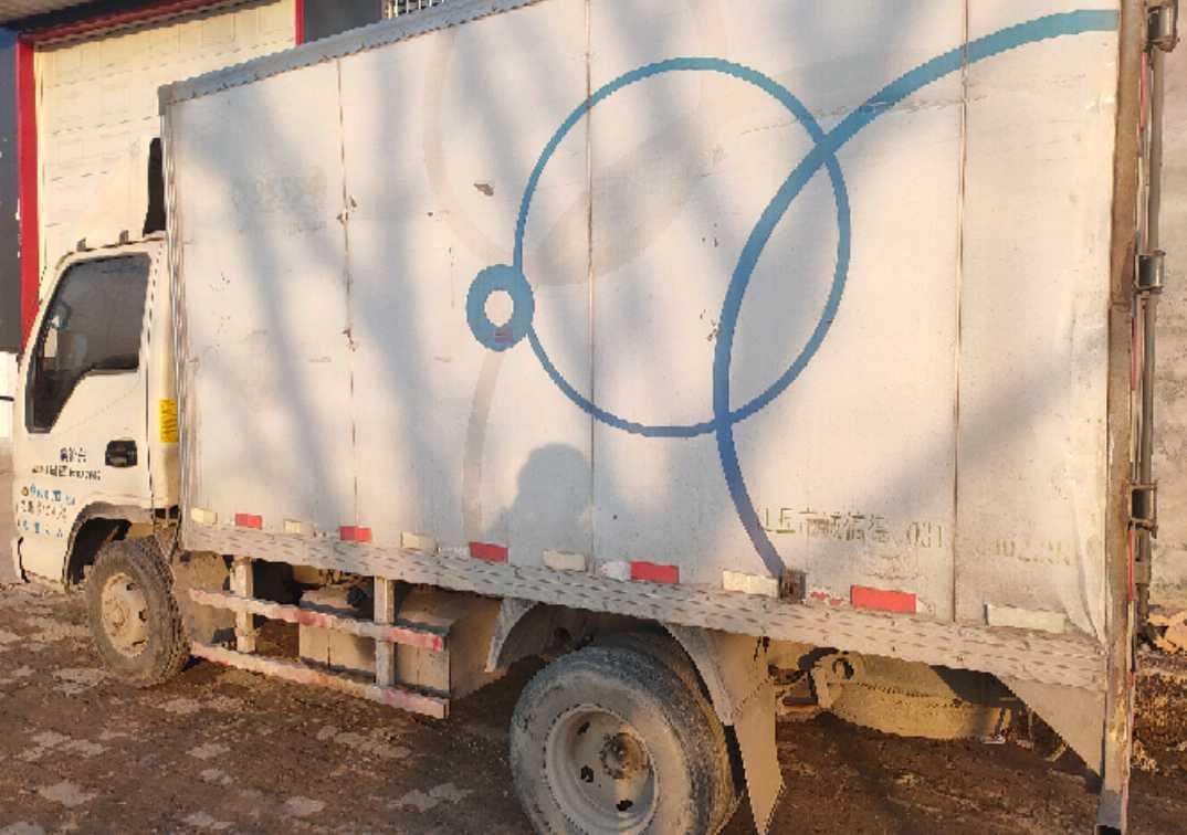 一汽解放J6L中卡 轻量化 载货车  88匹 2011年04月 4x2
