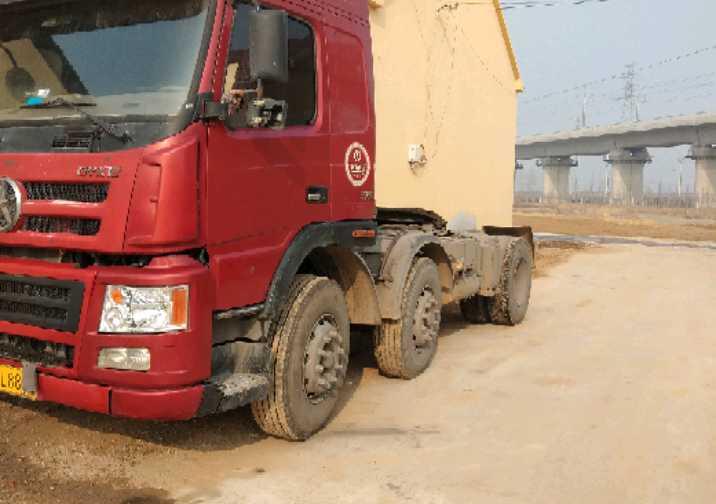 大运N8V重卡 牵引车  375匹 2015年04月 6x2