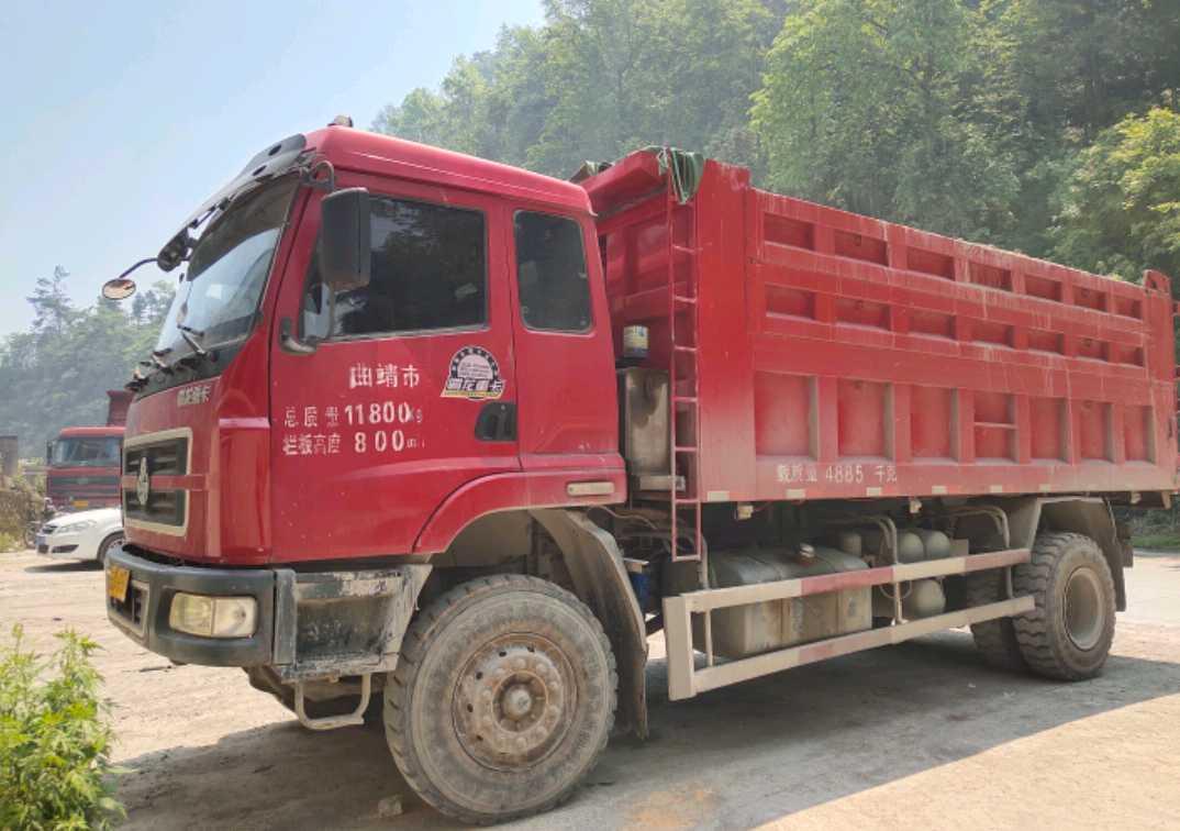 東風霸龍 自卸車  240匹 2013年07月 4x2