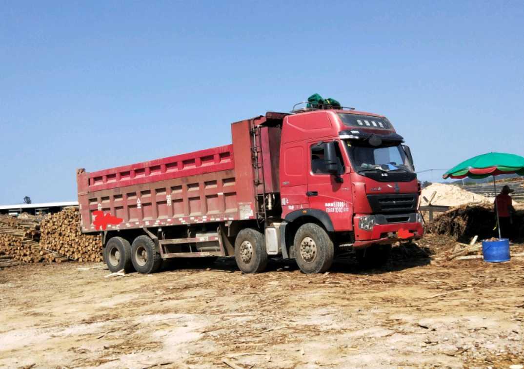 重汽豪沃(HOWO)HOWO 自卸车  375匹 2013年05月 8x4