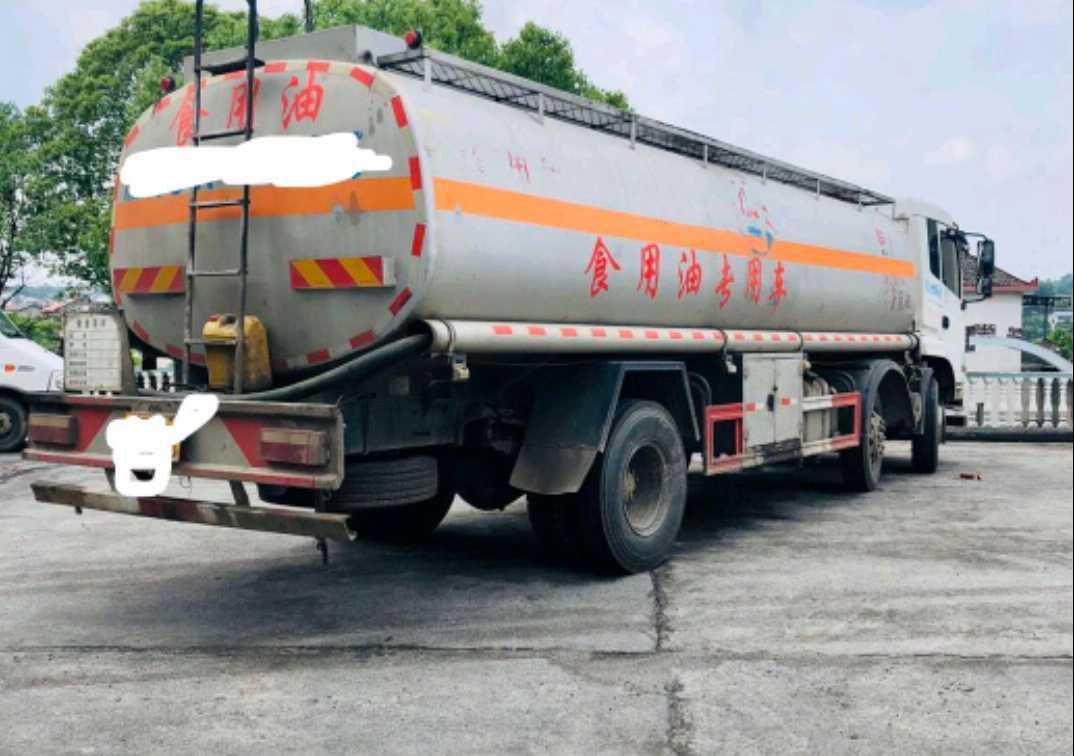 東風東風特商 油罐車  210匹 2017年01月 4x2