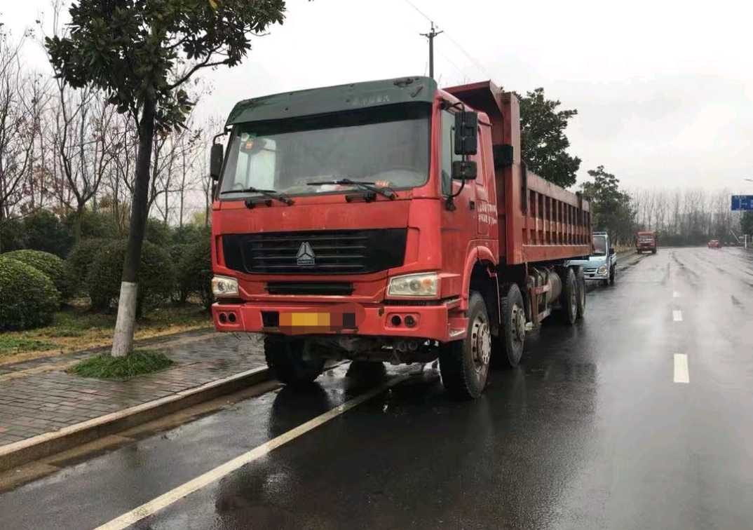 中国重汽HOWO 自卸车  375匹 2013年07月 8x4