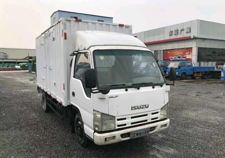 五十铃E系列 载货车  98匹 2016年06月 4x2