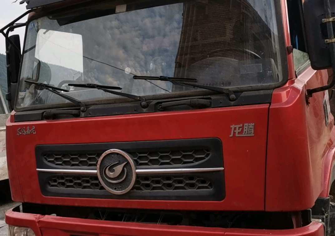 东风其他车系 自卸车  210匹 2012年09月 4x2
