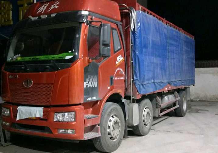 一汽解放J6L中卡 质惠版 载货车  240匹 2020年04月 6x2