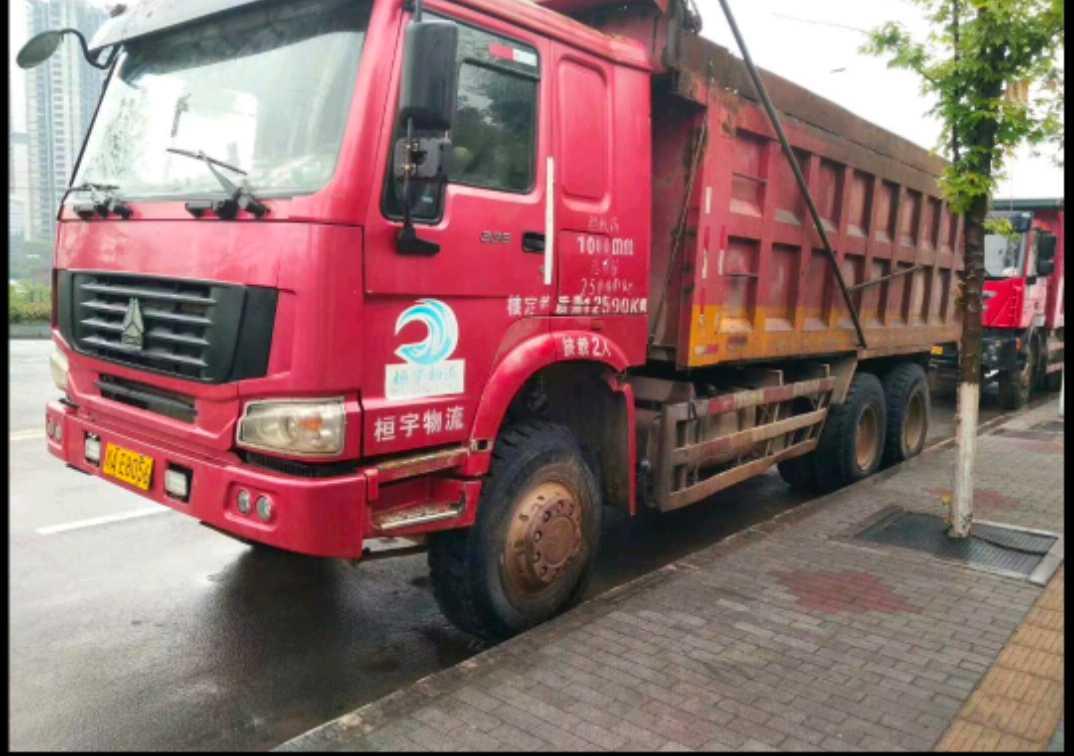 中國重汽HOWO 自卸車  375匹 2013年04月 4x2