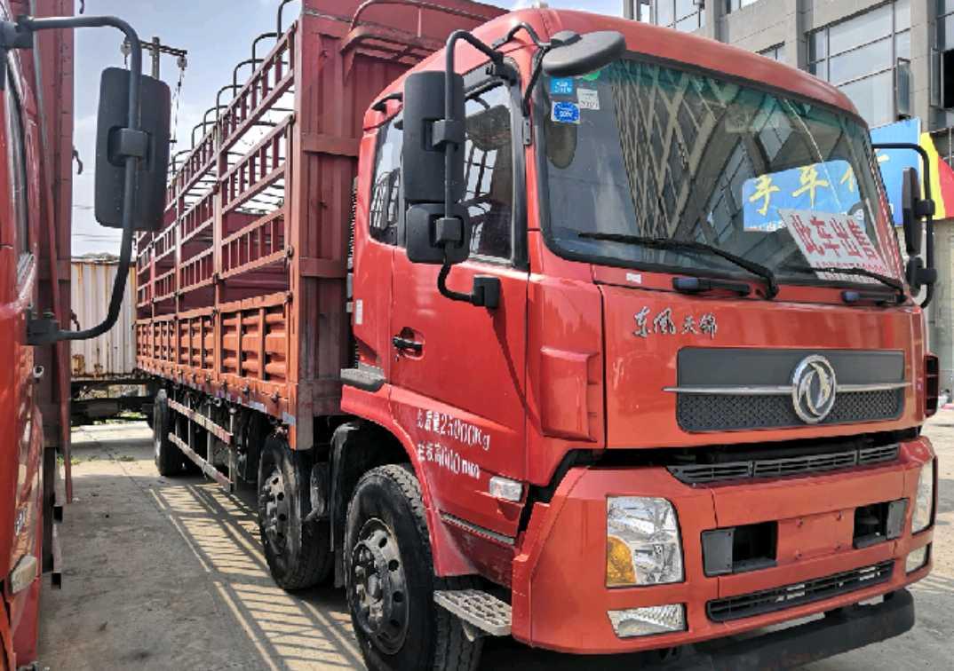 东风天锦 载货车  210匹 2016年10月 6x2