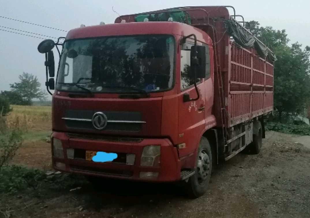 东风天锦 载货车  180匹 2015年01月 4x2