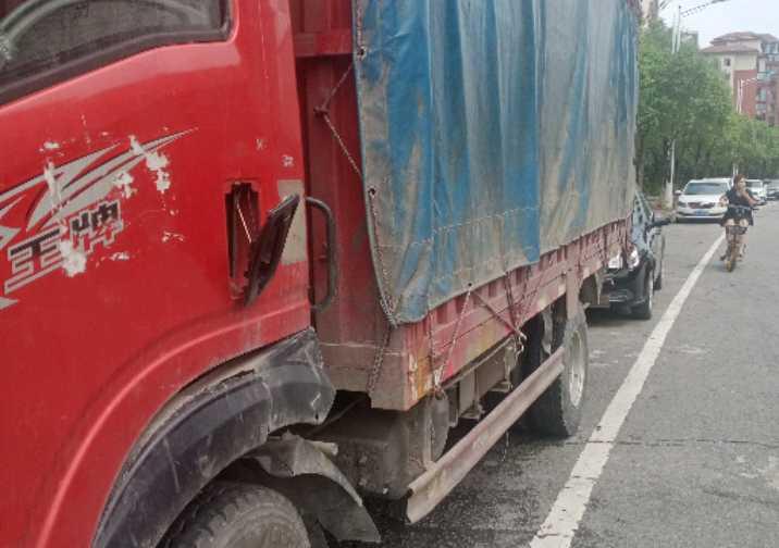 重汽王牌其他车系 载货车  137匹 2015年01月 4x2