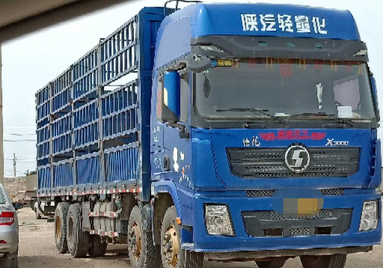 陜汽德龍X3000 載貨車  375匹 2017年08月 8x4