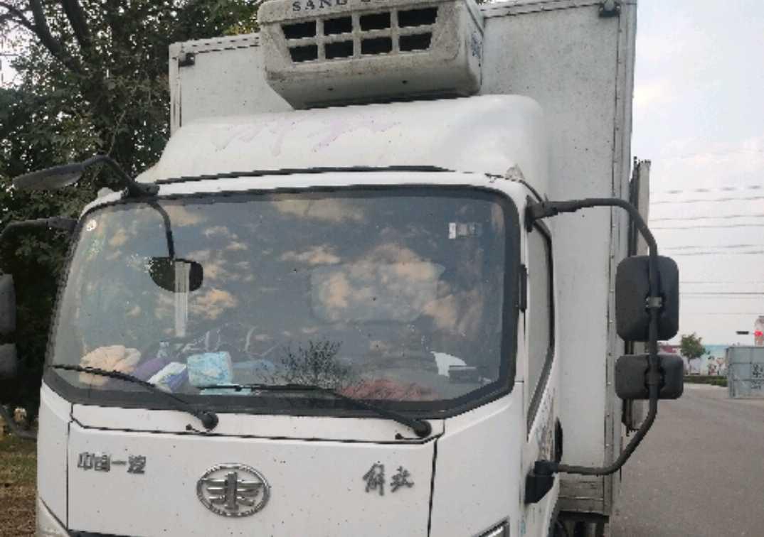 青岛解放虎V 冷藏车  130匹 2019年08月 4x2