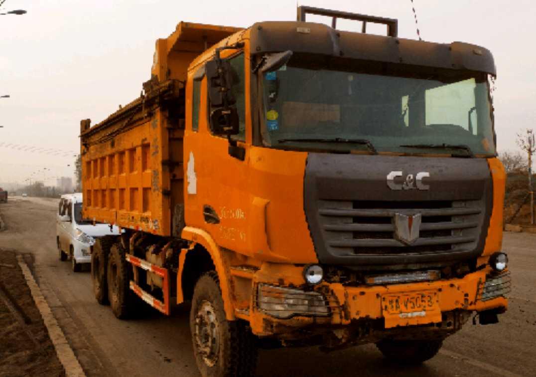 联合卡车其他车系 自卸车  336匹 2014年07月 8x2