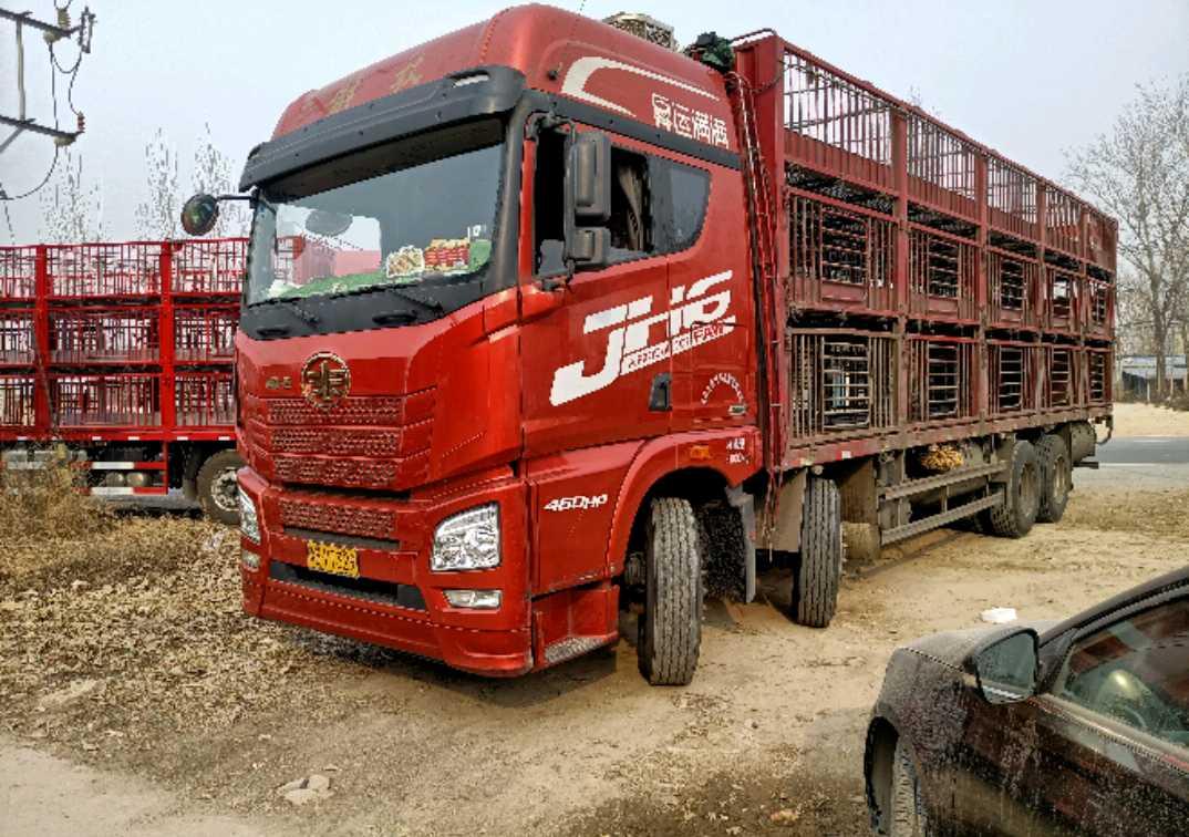 青岛解放JH6 载货车  460匹 2020年04月 4x2