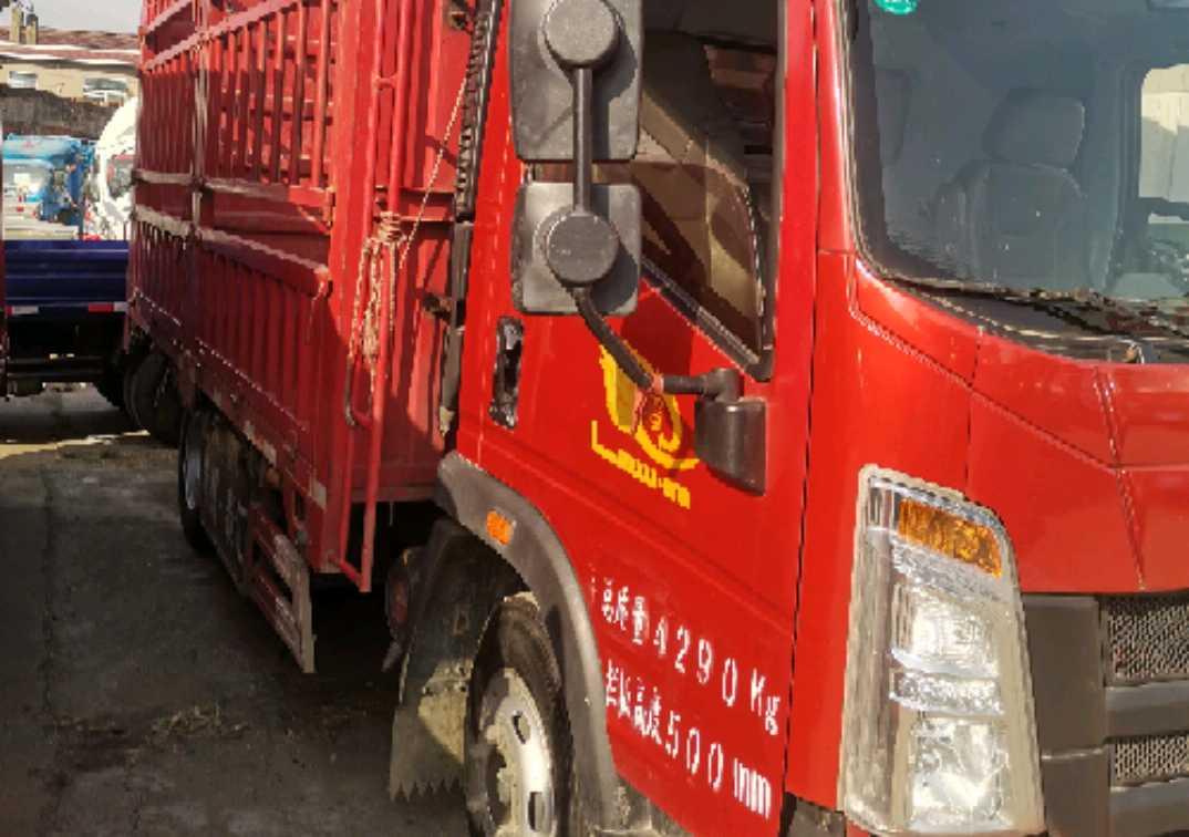 中国重汽HOWO 载货车  156匹 2019年04月 4x2