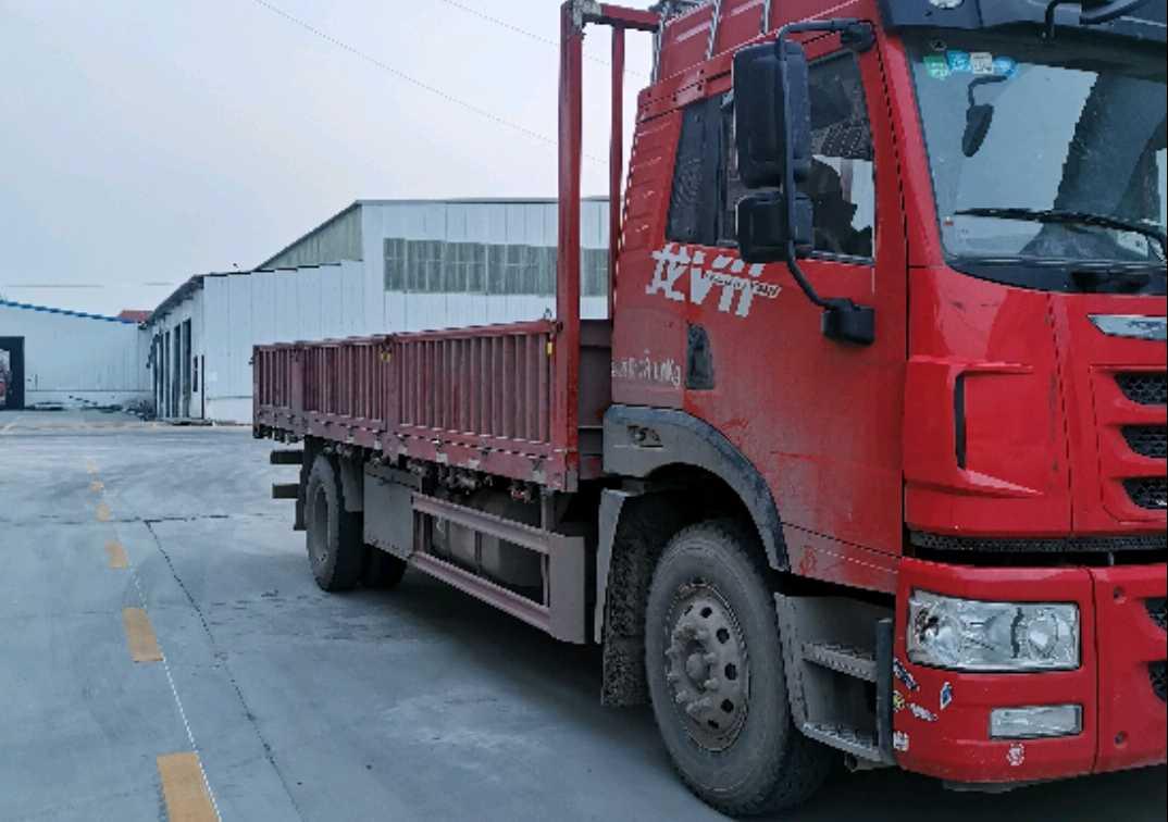 青岛解放其他车系 载货车  180匹 2018年07月 4x2