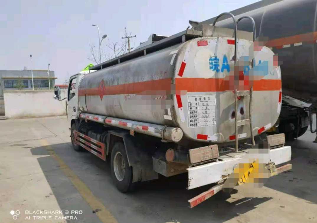 东风153系列 油罐车  110匹 2016年03月 4x2