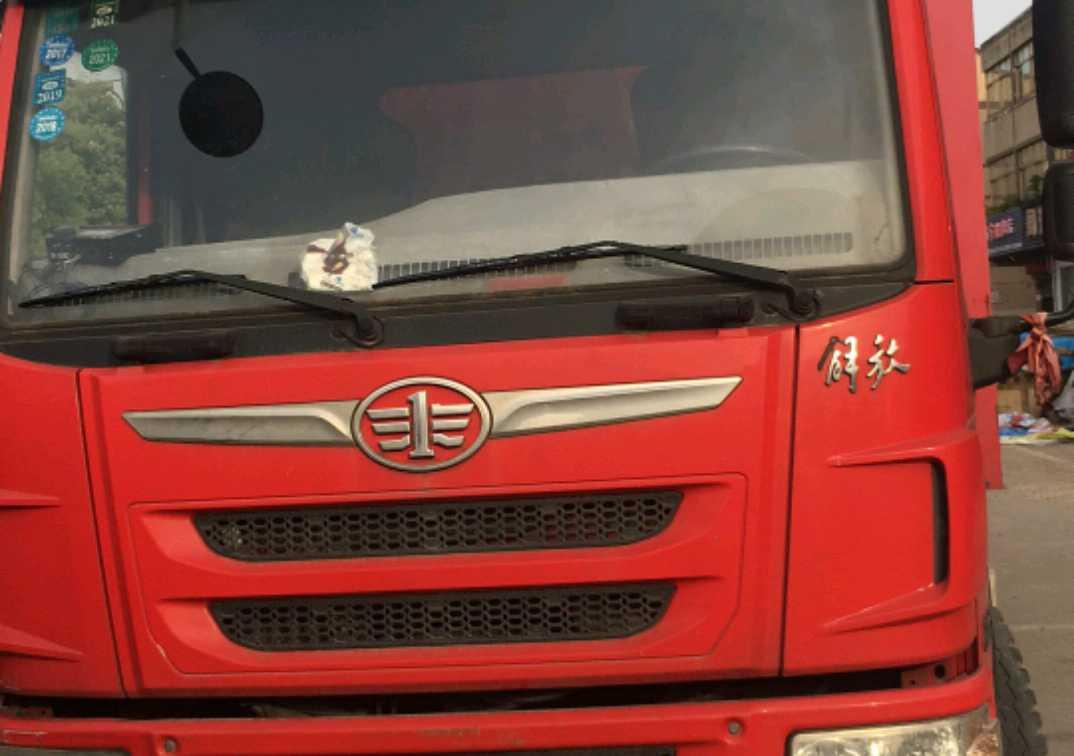 一汽解放J6P重卡 重载型 载货车  160匹 2016年07月 4x2