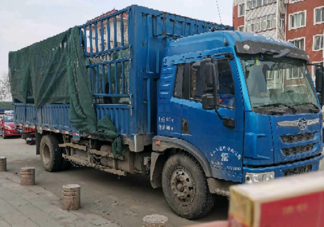 一汽解放J6P重卡 重载型 载货车  600匹 2018年10月 4x2