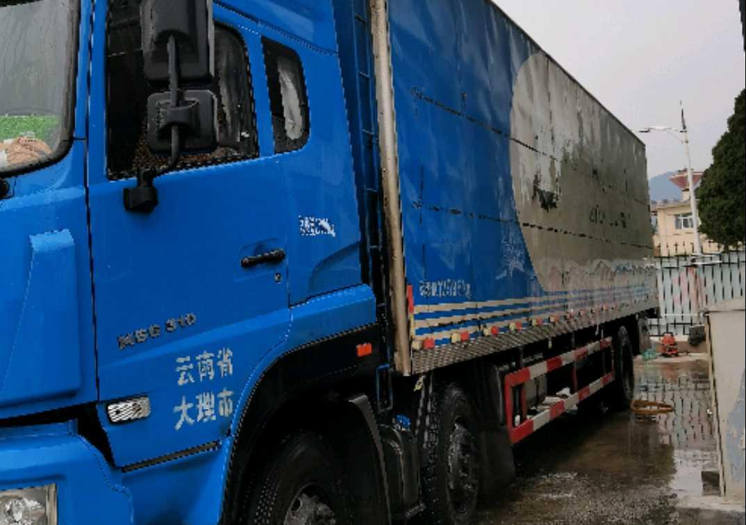 中国重汽斯太尔 载货车  310匹 2017年11月 8x2