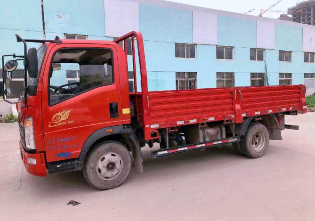 中国重汽HOWO 载货车  120匹 2020年01月 6x6