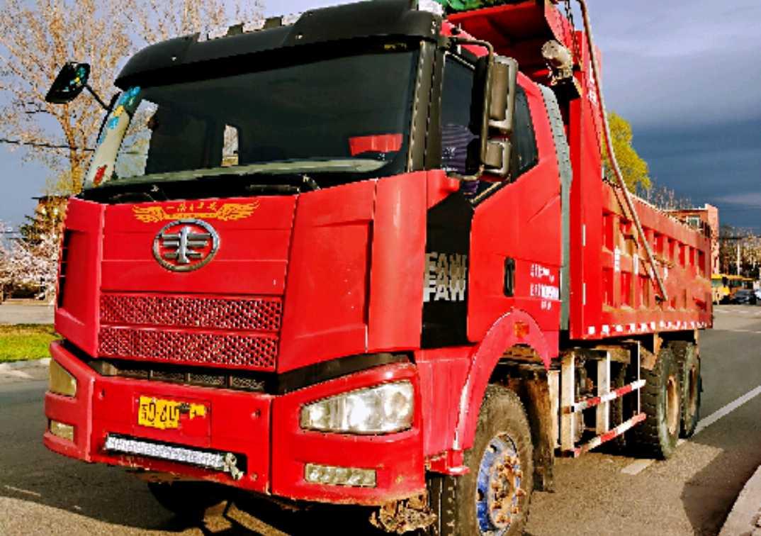 一汽解放J6M重卡 自卸车  330匹 2012年06月 8x2