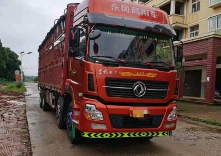 东风天龙 载货车  430匹 2015年06月 8x4